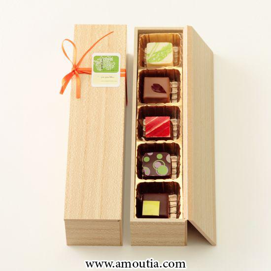 جعبه شکلات چوبی درب پیوسته با تقسیم کننده