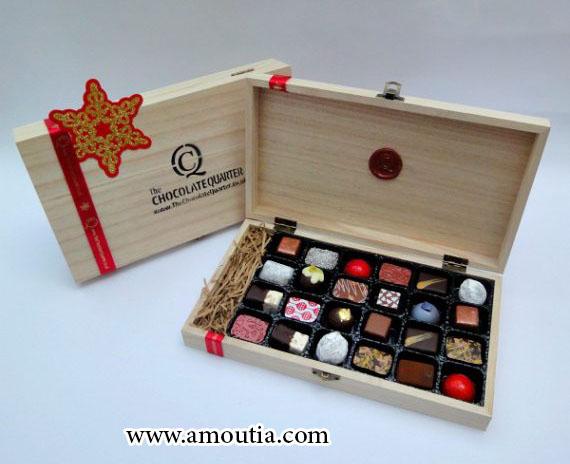 جعبه شکلات چوبی با تقسیم بندی خاص