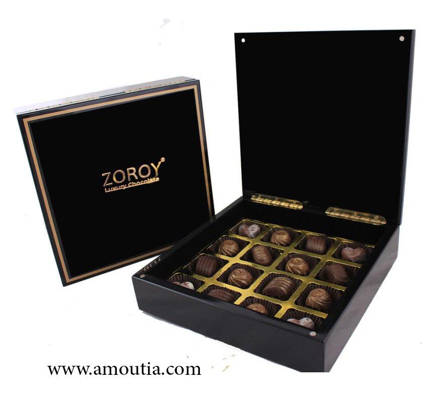 جعبه شکلات چوبی مربع مشکی با تقسیم بندی