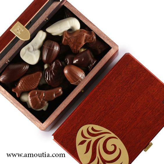 جعبه شکلات چوبی به رنگ تیره