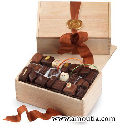 جعبه چوبی شکلات با درب کشویی