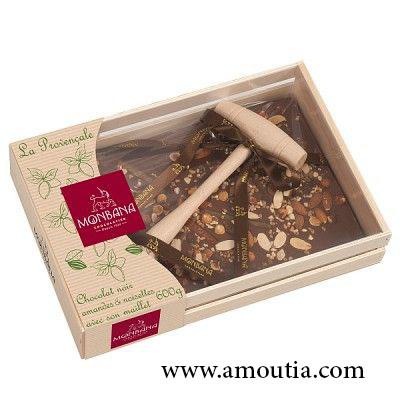 جعبه چوبی شکلاتی با چکش چوبی