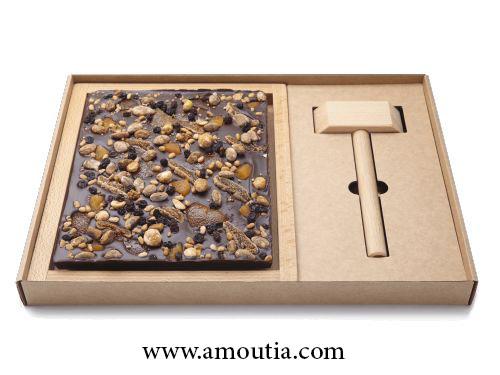 شکلات و جکش چوبی