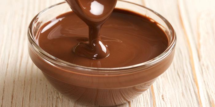 آموزش آب کردن شکلات به روش بن ماری
