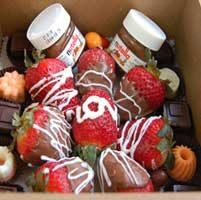 سفارش توت فرنگی شکلاتی و نوتلا برای ولنتاین