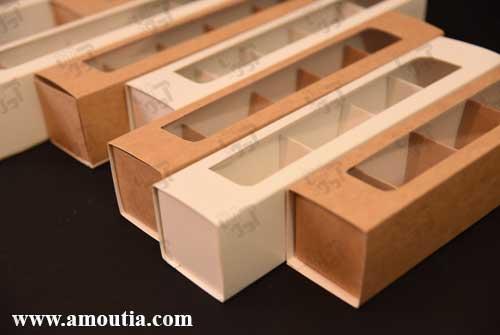 جعبه ترافل و شکلات سفید و کاهی از زاویه جلو