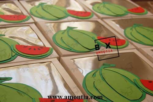 عکس چعبه یلدا با طرح هندوانه از زاویه روبرو