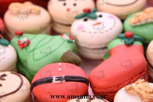 عکس زاویه بسته از شیرینی های ماکارون