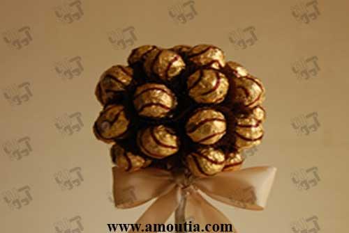 دسته گل شکلاتی سطلی با ربان قهوه ای